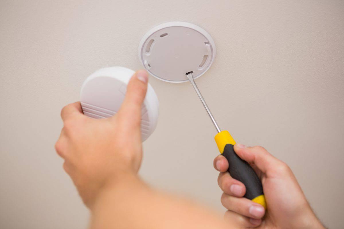 Czy warto instalować czujnik czadu?