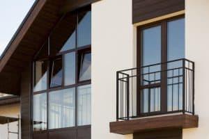 Wykończenie balkonu – jak zabezpieczyć go przed zniszczeniami?