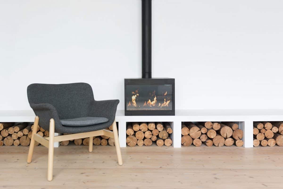 Jakie drewno do kominka wybrać?