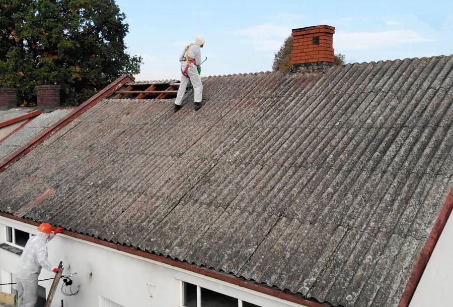 Usunięcie azbestu i eternitu. Proces, formalności i dofinansowanie. Fot. Creaton
