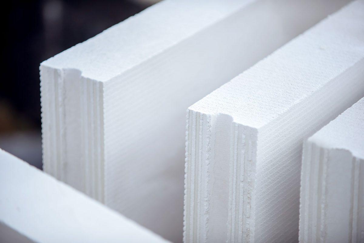 Ścianki działowe z betonu komórkowego i silikatu. Fot. H+H