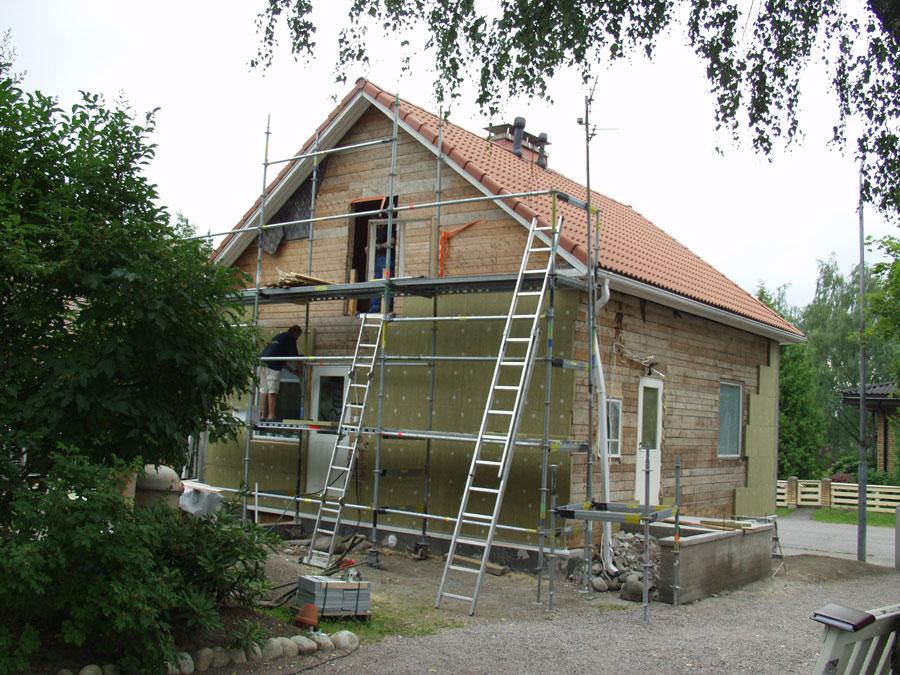 Ocieplenie ścian domu i poddasza wełną kamienną Paroc. Fot. Paroc