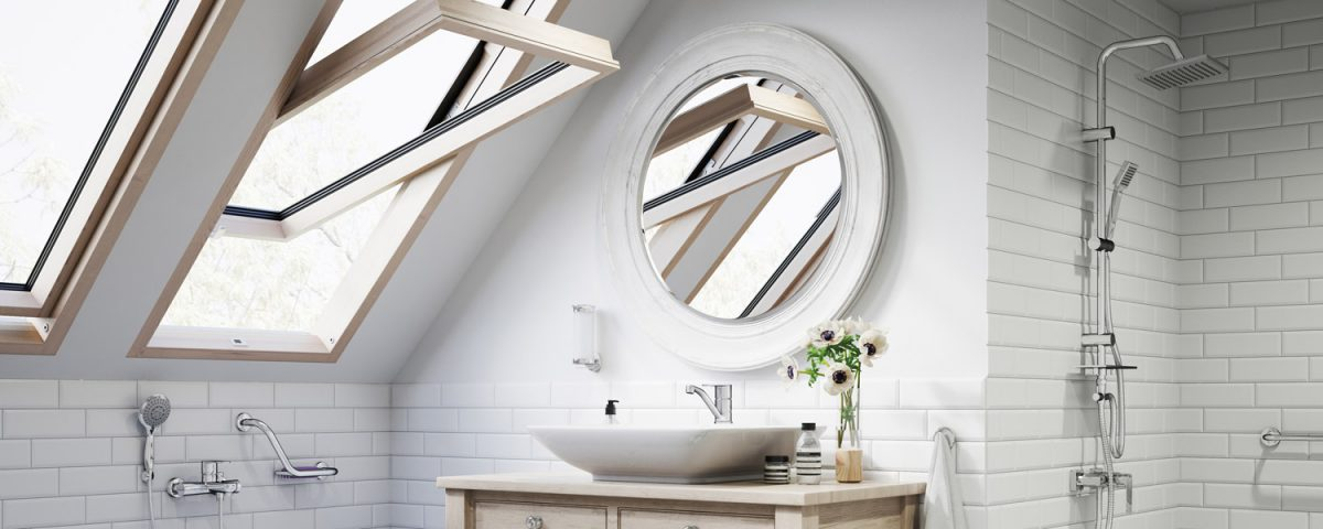 Łazienka na poddaszu, strefą kąpielowa i prysznic